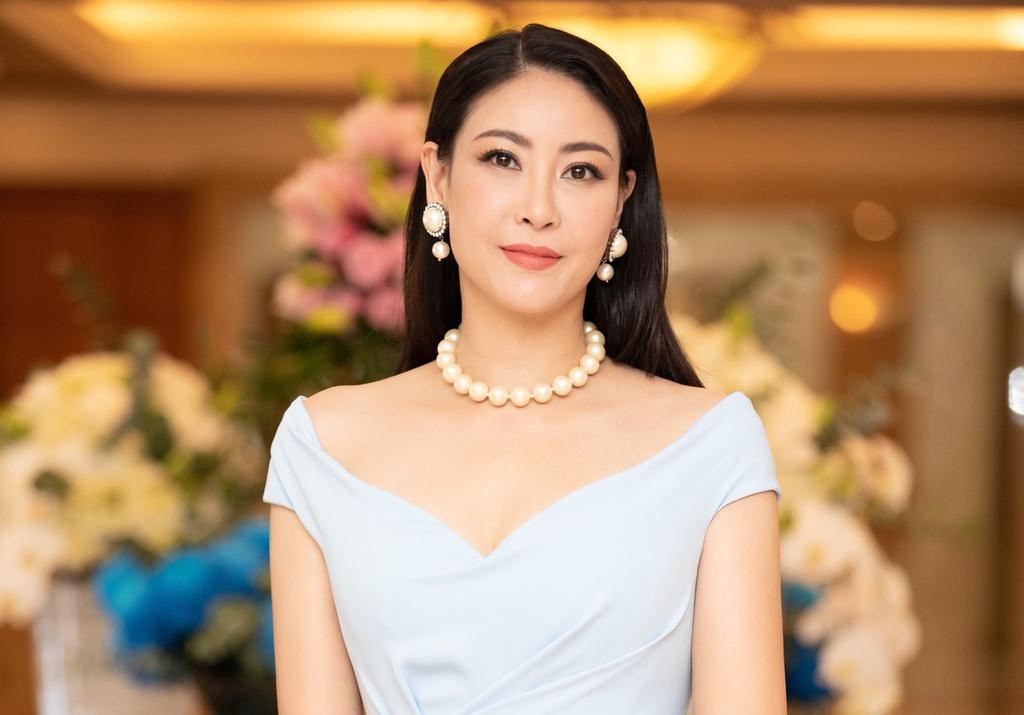 Hà Kiều Anh xin lỗi vụ 'tự nhận công chúa đời thứ 7 triều Nguyễn'