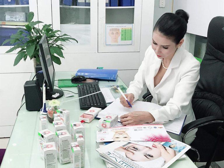 Á hậu doanh nhân Trần Thị Thanh Hải 46 tuổi khiến cộng đồng mạng phát sốt vì trẻ như U30