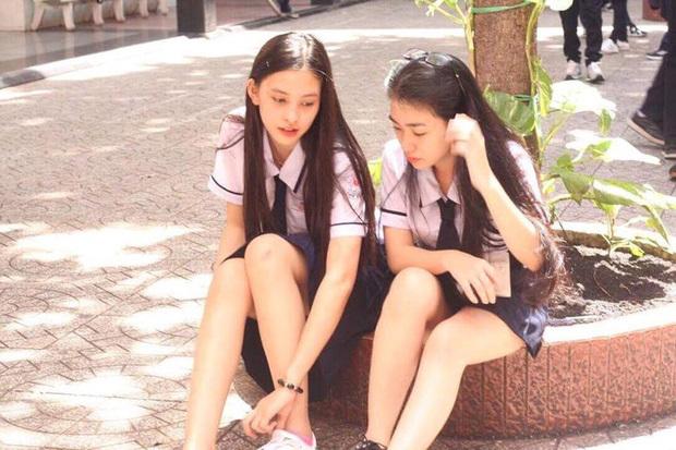 Các hoa hậu thời đi học: Cũng ngây ngô như ai