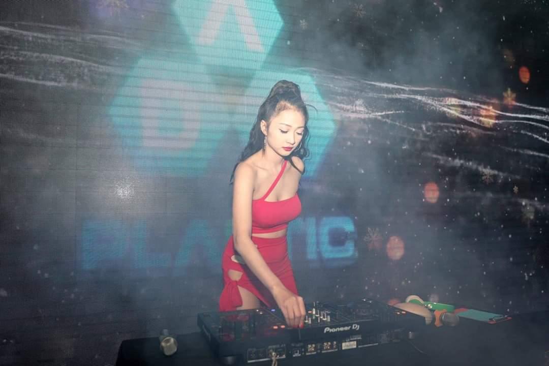DJ Trang Sarah – Nghề chọn người chứ người không chọn được nghề