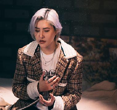 Vicky Nhung quay lại đường đua âm nhạc với MV về 'tình một đêm'