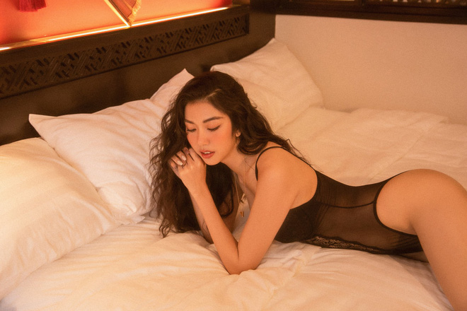 Bỏng mắt với bộ ảnh diện nội y hiếm hoi của Thúy Vân: Khoe đường cong bốc lửa giữa tin đồn trở lại Hoa hậu Hoàn vũ